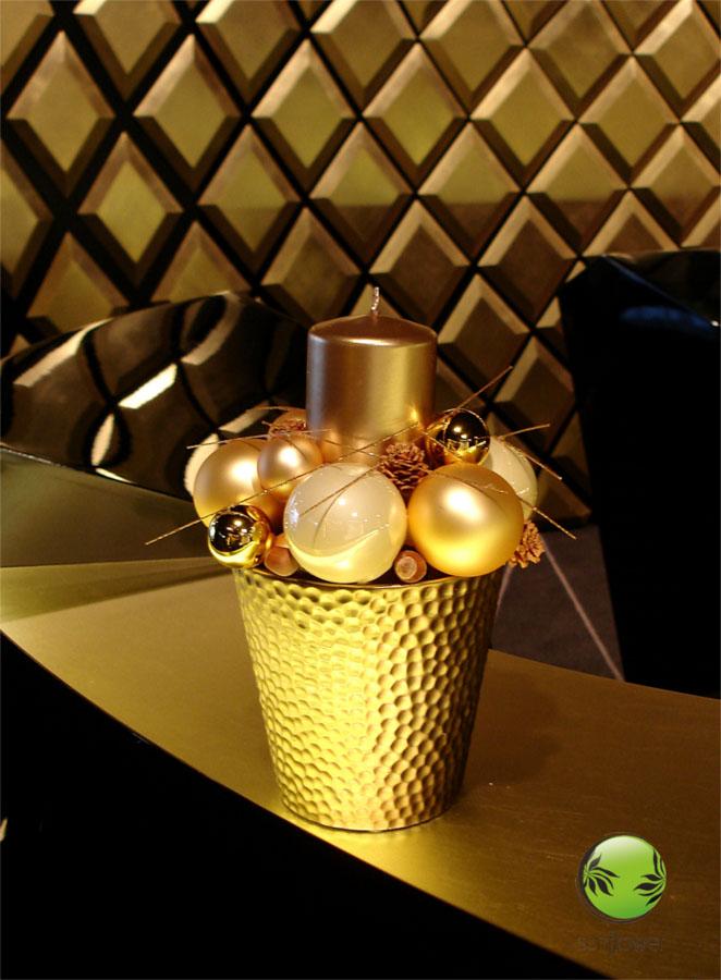 Złoty stroik świąteczny