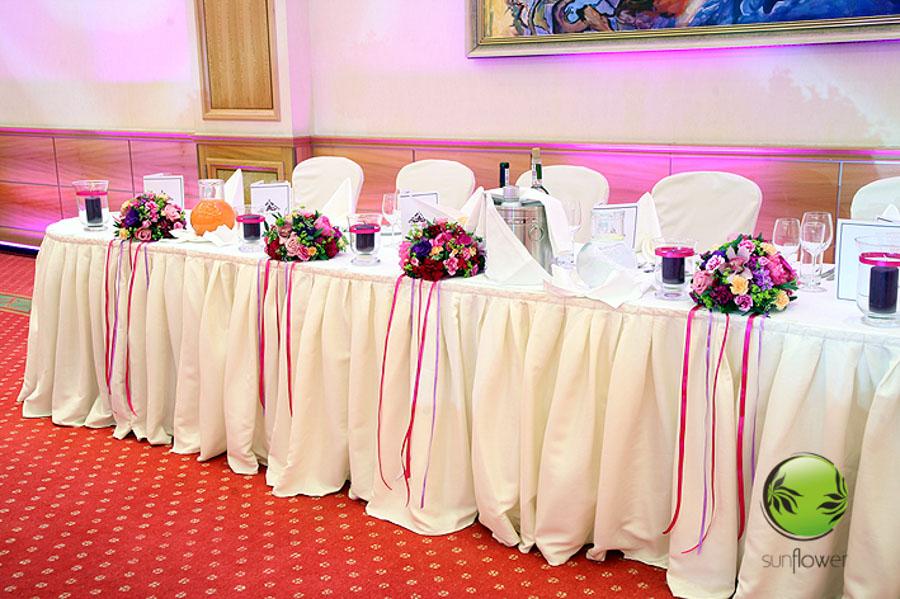 Bukieciki z fioletowymi wstążkami