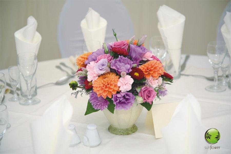 Bukiet z małych kolorowych kwiatków