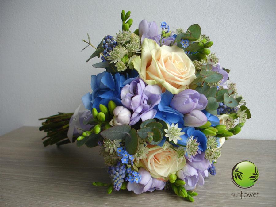 Bukiet z niebieskich kwiatów