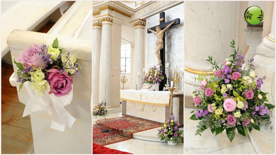 Pastelowe kwiaty w kościele