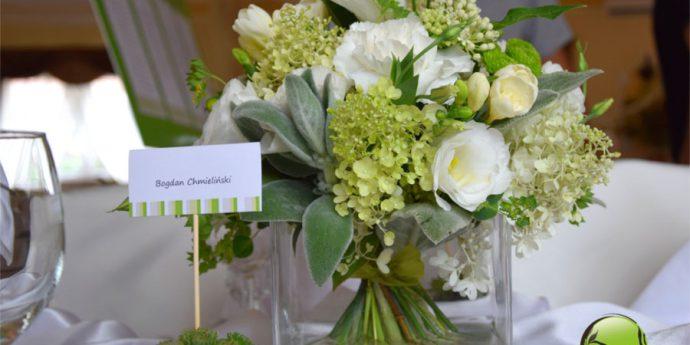Zielono białe kwiaty z karteczką