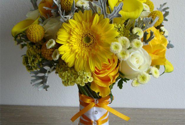 Żółte kwiaty w bukiecie