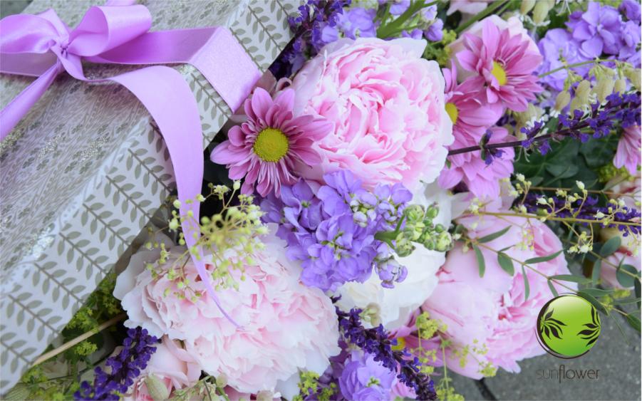 Fioletowe i różowe kwiaty