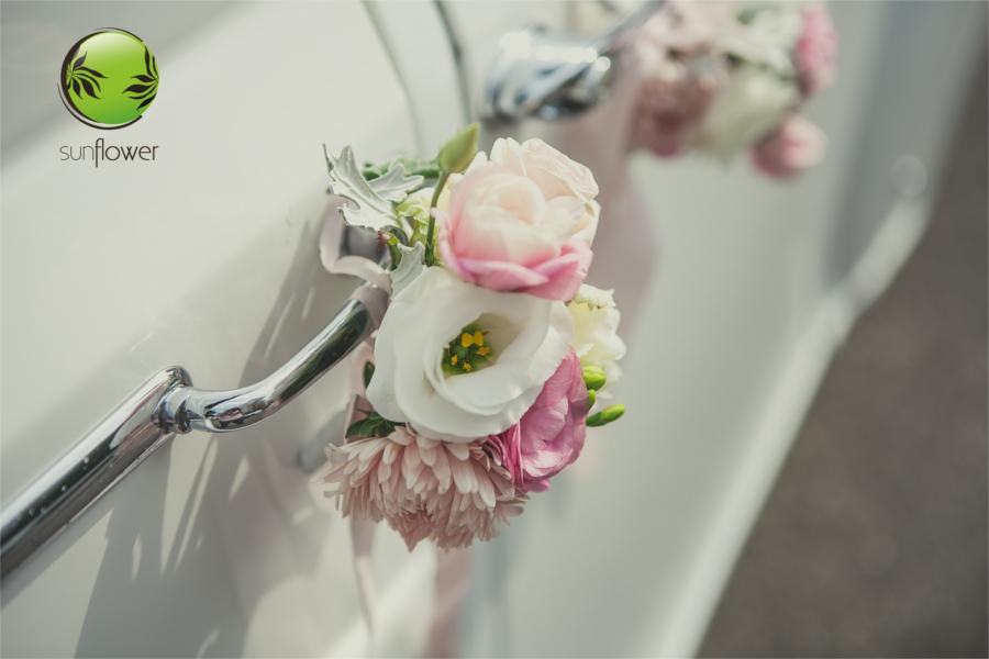 Dekoracja na klamkach samochodu
