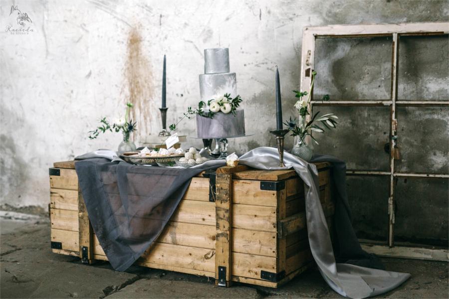 Dekoracja weselna ze skrzynią
