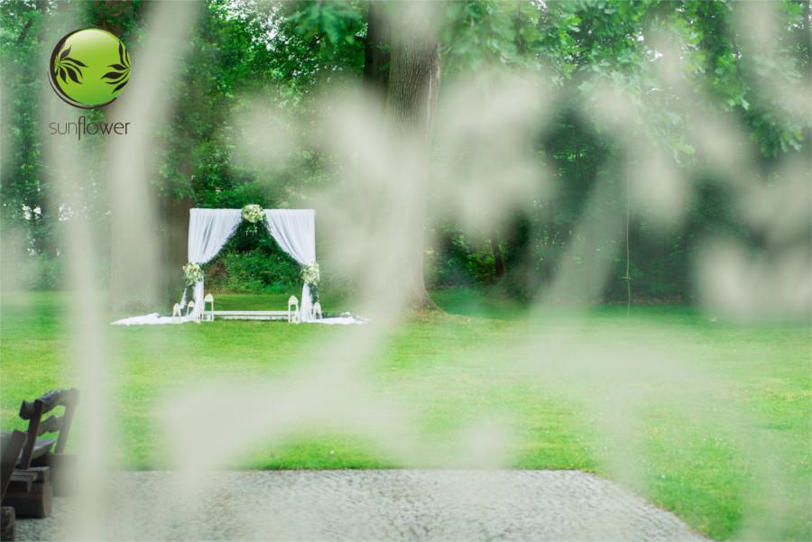 Dekoracje na ślub w ogrodzie