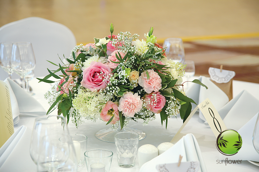 Różowo-biały bukiecik na stół