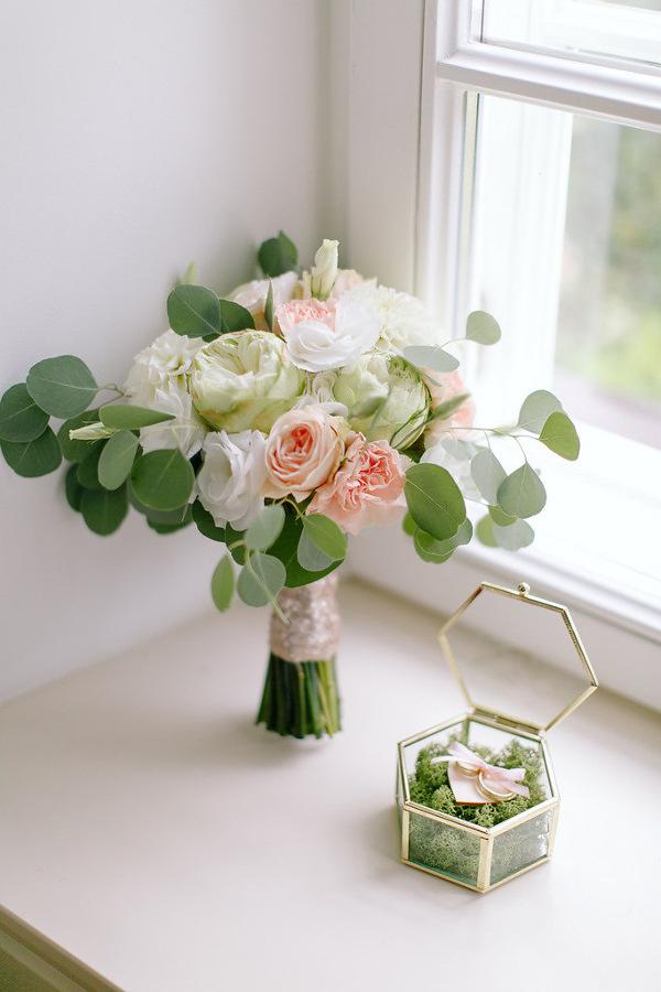 Szklane pudełko na obrączki i kwiaty