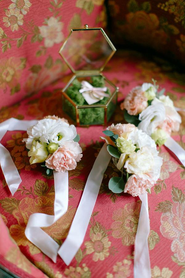 Małe bukieciki na ślub