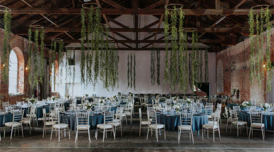Industrialne wesele z motywem zieleni
